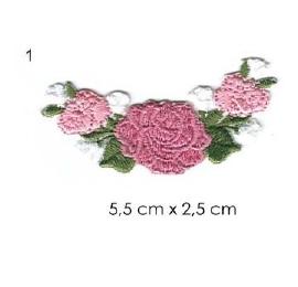 écussons petites fleurs brodées 1