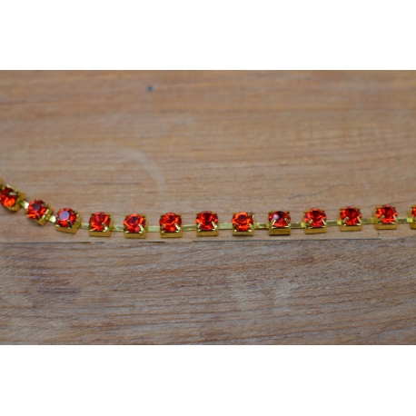 Chaine strass cristal rouge 8mm