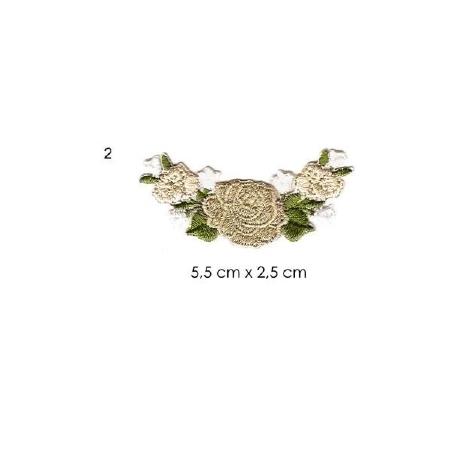 écussons petites fleurs brodées 2