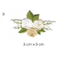écussons petites fleurs brodées 3